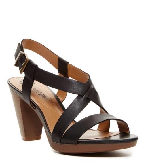 2eed16c95125 Last Pair sale 🌸Jaelyn fog leather sandal